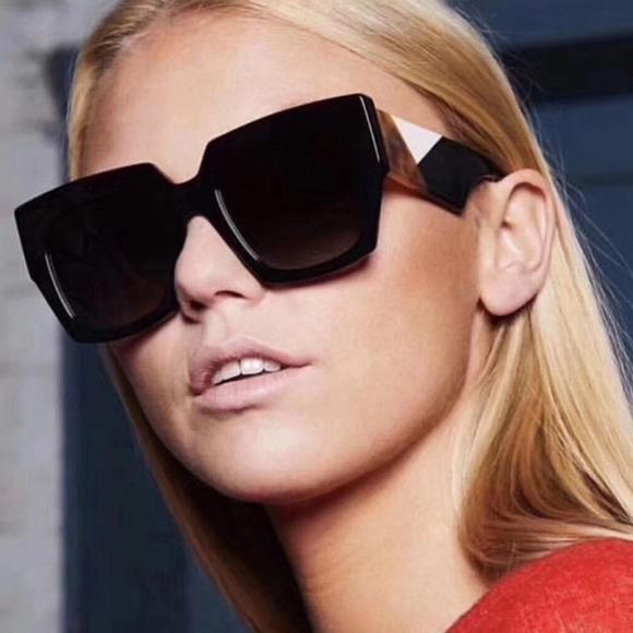 a4c4b2b5714 Black Color Block Retro Oversized Sunglasses